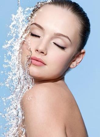 Naturalny makijaż dla młodych kobiet