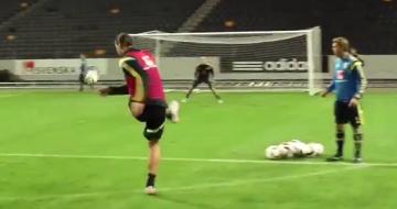 Fantastyczny gol Ibrahimovicia na treningu reprezentacji Szwecji (WIDEO)